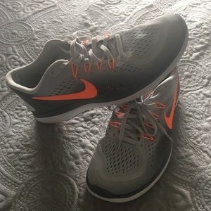 Very little worn Nike fit sole running shoes. 11.5
